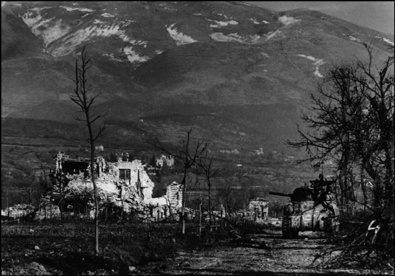 1944 Robert Capa